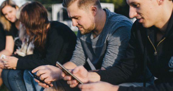Jaki smartfon do 2000 zł wybrać? Vikingowie polecają