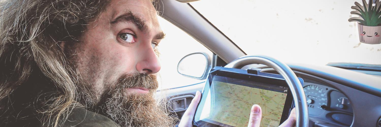 Viking jedzie samochodem korzystając z GPS