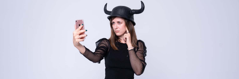 Viqueen Asia jeszcze nie wie, jak płacić telefonem, ale się dowie z tego artykułu
